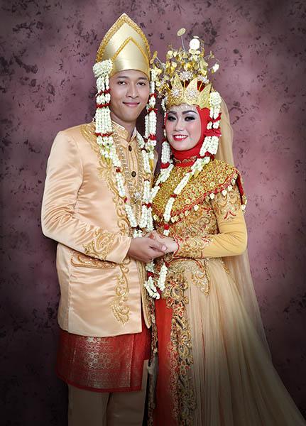 Rias pengantin muslim hijab di Tangerang